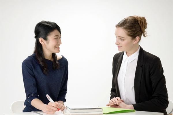 外国人雇用手続は行政書士法人グローアップにお任せ下さい。
