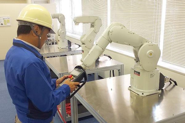 産業用ロボットティーチング
